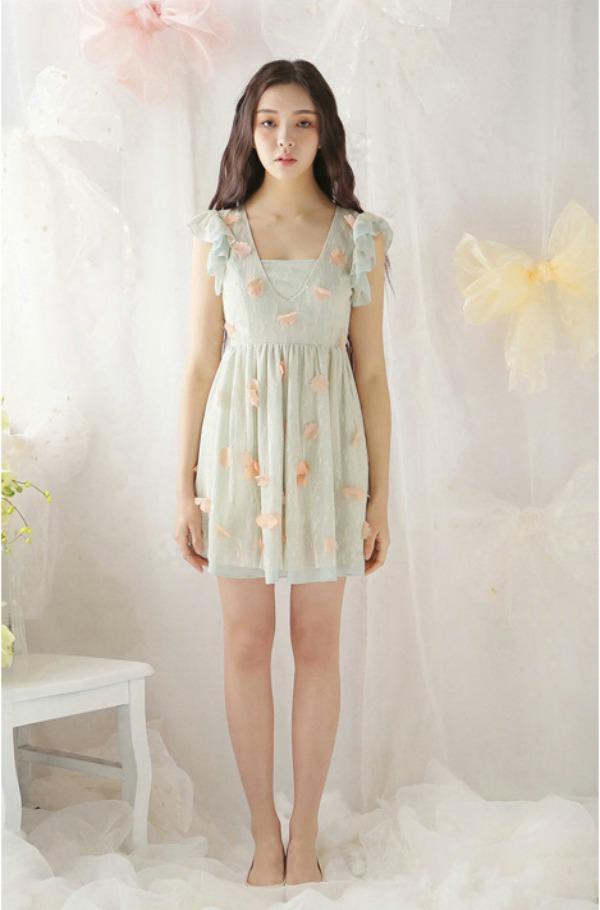 Vestido primaveral de enecaje